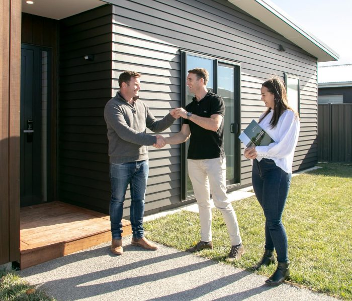 tw-homes-1920px-house-and-land-handshake-client